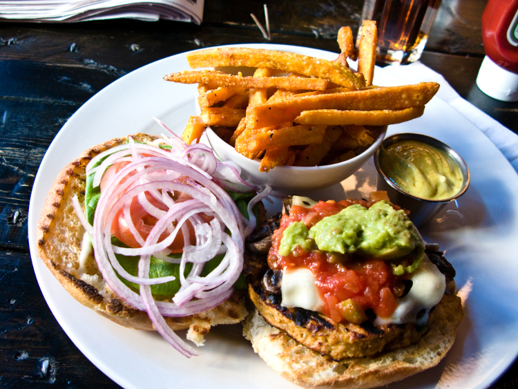 Veggie_burger_flickr_user_bradleyj_creative_commons