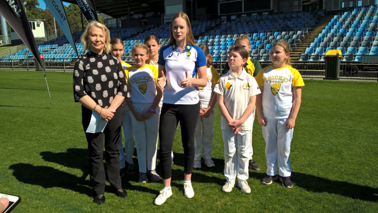 Mayor and Australian International Cricketer Lauren Cheatle launched ticket sales for the Ashes Series with the help of local team The Hoggies.